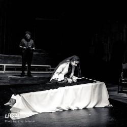 نمایش بیگانه | عکس