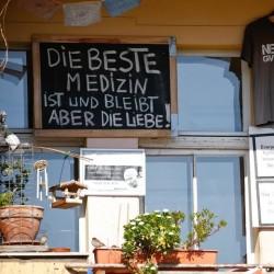 پنجره و بالکنهای جهان در روزهای کرونا | برلین، آلمان