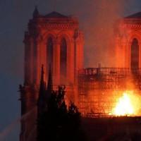 آتش سوزی کلیسای نوتردام | عکس