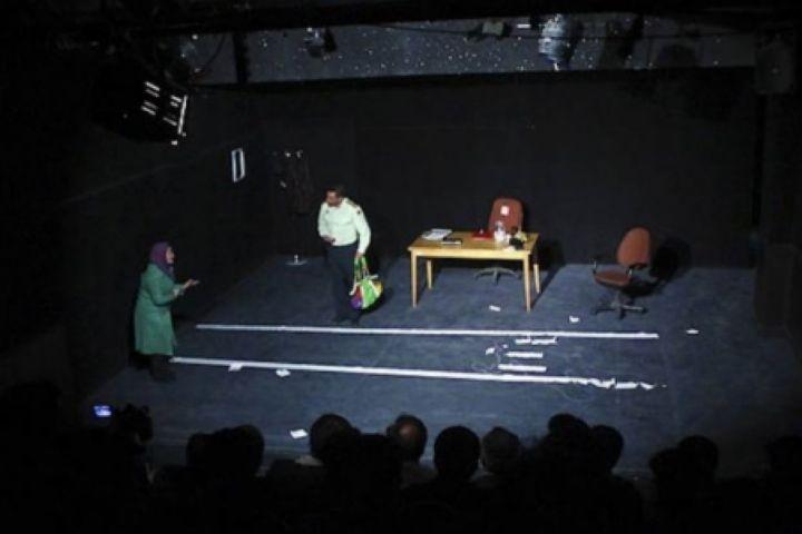 بازنمایی خانواده در تئاتر همیشه نشانه وضعیت جامعه نیست | عکس