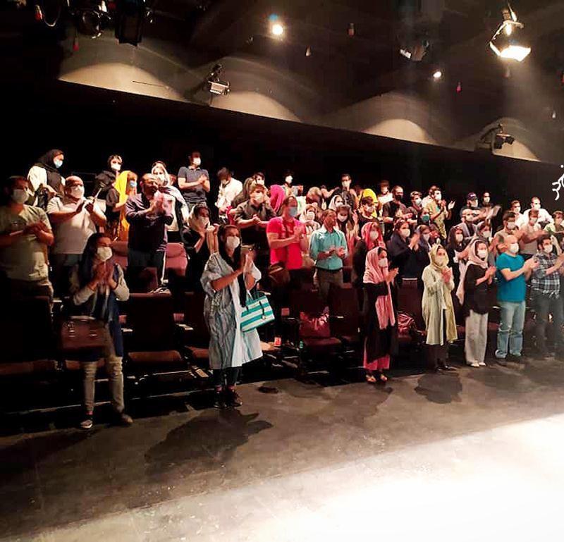 نمایش پنهان خانه پنج در تا بیست هشتم مرداد ماه در مرکز تئاتر مولوی تمدید شد. | عکس