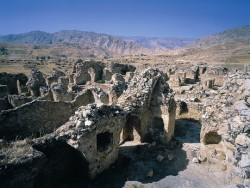 آسیب هشتمیلیاردی سیل به آثار تاریخی ایلام   عکس