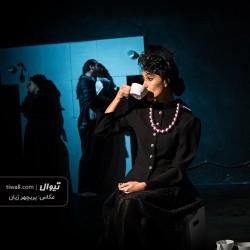 نمایش خانم آوازخوان کله طاس | عکس