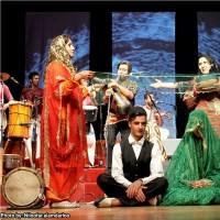 گزارش تصویری تیوال از کنسرت گروه آوای موج / عکاس: نیلوفر علمدارلو   عکس