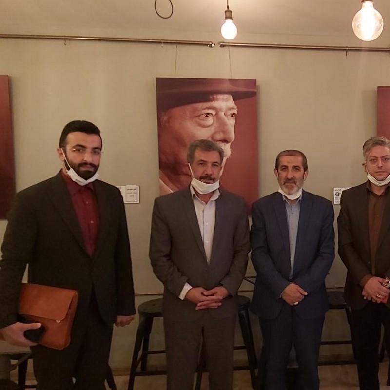 نشست نایب رییس کمیسیون فرهنگی مجلس با صنف تماشاخانه های خصوصی | عکس