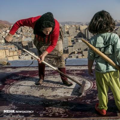 قالیشویی سنتی در مناطق حاشیه تبریز | عکس