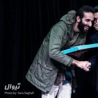 گزارش تصویری تیوال از اختتامیه هشتمین جشنواره دانشجویی و مردمی تیاتر ثمر (سری نخست) / عکاس: سارا ثقفی | عکس