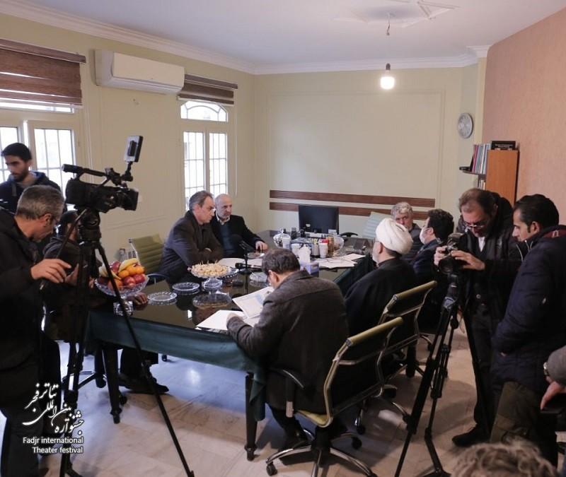 مدیران جشنواره تئاتر فجر با تلاش و برنامهریزی مسیر این رویداد را به درستی پیش بردهاند | عکس