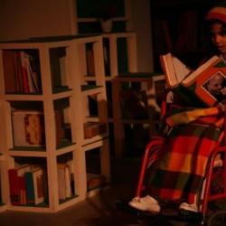 فیلمتئاتر عموی عجیب بزرگ کوچیک من | عکس