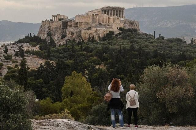 بیشتر مبتلایان جدید به کرونا در یونان گردشگر هستند | عکس