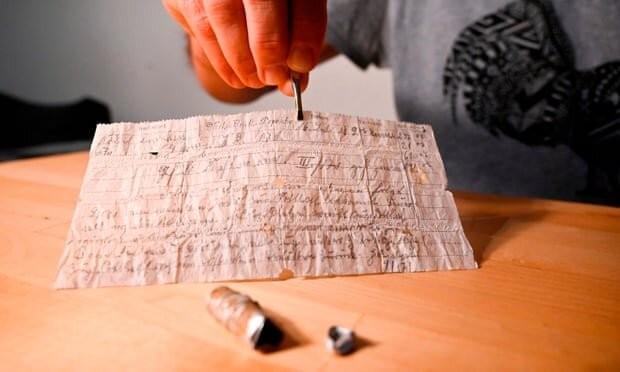کشف نامه صدساله کبوتر نامهرسان | عکس