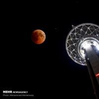 طولانی ترین ماه گرفتگی قرن | عکس