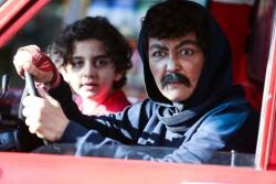 شقایق فراهانی در نقش یک مرد در فیلم سینمایی «گُل به خودی» روز گذشته جلوی دوربین رفت. | عکس