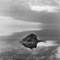 افتتاح نمایشگاه «میان سرگشتگی و جاودانگی» از آثار عکاس فرانسوی «آلن سکارولی» در کاشان  | عکس
