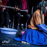 نمایش نفتینه بانو و نسوان طهران | گزارش تصویری تیوال از نمایش نفتینه بانو و نسوان طهران / عکاس: سارا ثقفی | عکس
