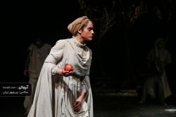 نمایش آئورا | محمود صادقی به دیدن نمایش «پپ» نشست | عکس