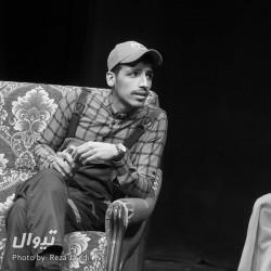 نمایش آوازه خوان طاس | عکس