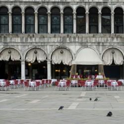 ایتالیا خالی از توریست | یک رستوران خالی در یک میدان سنت مارک ، ونیز
