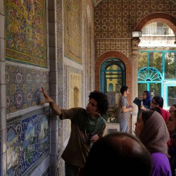 گردش تهرانگردی به زبان فرانسه |خانه مقدم| | عکس