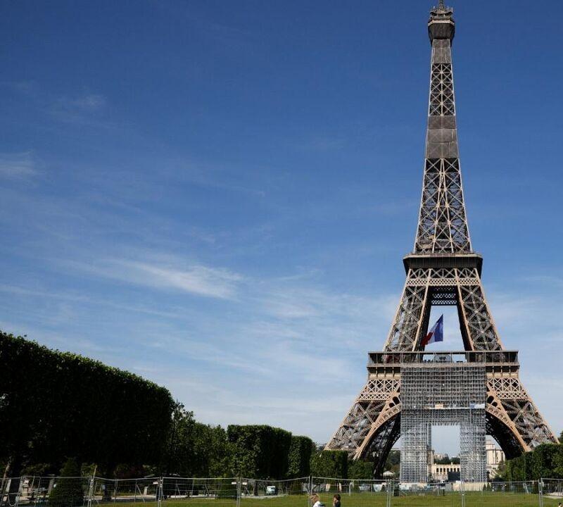 برج ایفل به روی بازدیدکنندگان باز شد | عکس
