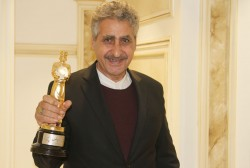 مسعود جعفرى جوزانى: دریافت جایزه ابوریحان از دست کیانوش عیاری افتخار بزرگی است | عکس