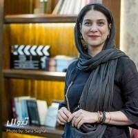 گزارش تصویری تیوال از اکران مستند لحظه های دلتنگی در کافه رزوود / عکاس: سارا ثقفی | عکس