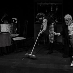 نمایش مرده فروشی | عکس