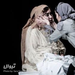 نمایش پیکر زن همچون میدان نبرد در جنگ بوسنی | عکس