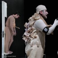 نمایش لطفا یک قاتل بالفطره باشید (یا) ماجرای اندوه یک استیو مک منمن | گزارش تصویری تیوال از نمایش لطفا یک قاتل بالفطره باشید / عکاس: حانیه زاهد | عکس