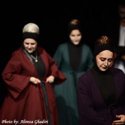 نمایش بیوههای غمگین سالار جنگ | عکس