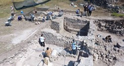 کشف مقبره سنگی ۱۹۰۰ ساله در ترکیه | عکس