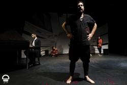 نمایش سرزمین پدری | مقاومت در مقابل رویکرد سلبریتی محور در تئاتر | عکس