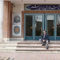 نمایش مرغ دریایی من | کیومرث مرادی پس از سه سال به تماشاخانه ایرانشهر باز میگردد | عکس