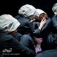 گزارش تصویری تیوال از نمایش در ستایش جنگ / عکاس: سارا ثقفی  | عکس