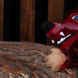 نمایش کی از گرگ بد گنده می ترسه | عکس