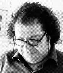 احمدرضا دالوند، گرافیست و نویسنده مطبوعاتی بامداد دوشنبه بعد از تحمل دورهای بیماری درگذشت. | عکس