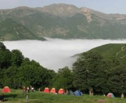 ممنوعیت ورود گردشگر به جنگلابر/ از پذیرش میهمانان در روستای ابر معذوریم | عکس