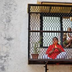 پنجره و بالکنهای جهان در روزهای کرونا | احمدآباد، هند