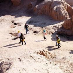 گردش یک سفر یک تیاتر |کاروانسرای ده نمک| | عکس