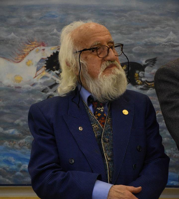 ۹۰ سال زندگی استاد پیشکسوت هنر معاصر در نمایشگاه «روزگار محجوب» | عکس