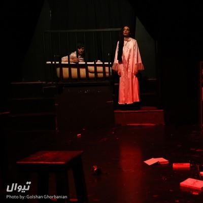 گزارش تصویری تیوال از نمایش اسم من آنیاست من شوهرم رو کشتم / عکاس: گلشن قربانیان | عکس