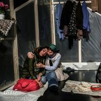 نمایش سعادت لرزان مردمان تیره روز | عکس