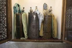 طومارهای ۴۰۰ ساله کنیسه«عزرایعقوب» به سرقت رفت | عکس
