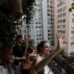 پنجره و بالکنهای جهان در روزهای کرونا | ریو دو ژانیرو، برزیل