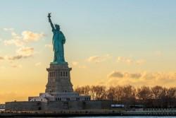 بازدید از مجسمه «آزادی» محدود شد | عکس