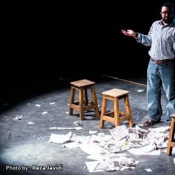 نمایش کمدی داستان جالب یک نویسنده   عکس
