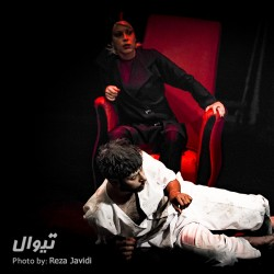 نمایش هنگامه ای که هملت به دست جادوگران مکبث کشته شد | عکس