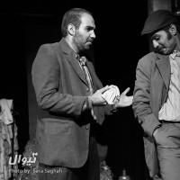 نمایش پاره سنگ در جیب هایش | گزارش تصویری تیوال از نمایش پاره سنگ در جیب هایش/ عکاس: سارا ثقفی | عکس