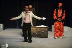 نمایش بنگاه تیاترال | محمود بصیری بار دیگر به جمع بازیگران بنگاه تئاترال پیوست. | عکس